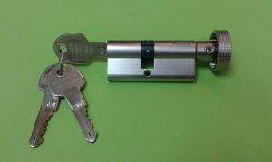 """Секретен патрон """"DT1"""".С ръкохватка от дългата страна.С 3 ключа.Висока степен на сигурност.С палец по ДИН.Различни размери."""