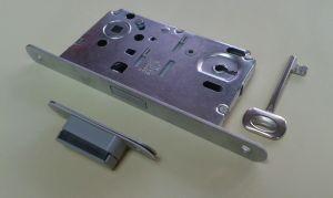 """Брава """"BONAITI  B-FORTY"""" 90/50 мм.С обикновен ключ,с магнитен език."""